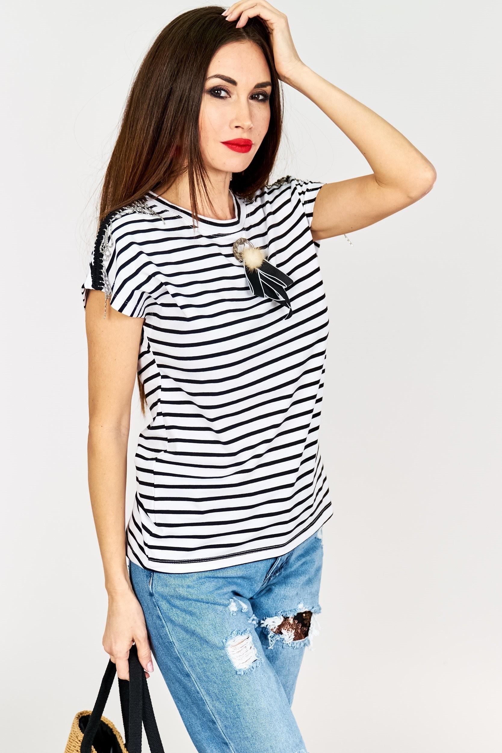 33e4ea78143b Pruhované dámske tričko - čierno-biele - Florentis.sk